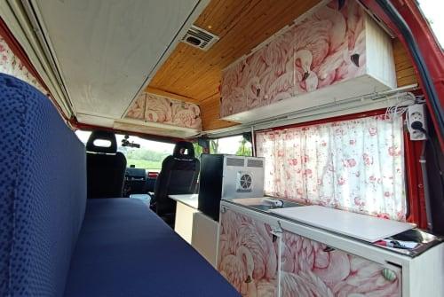 Buscamper Renault Flamingo in Den Haag huren van particulier
