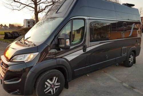Buscamper Knaus Solar-TV-AHK + in Offenburg huren van particulier