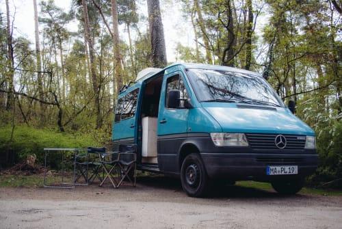 Buscamper Mercedes Benz Thomas in Mannheim huren van particulier