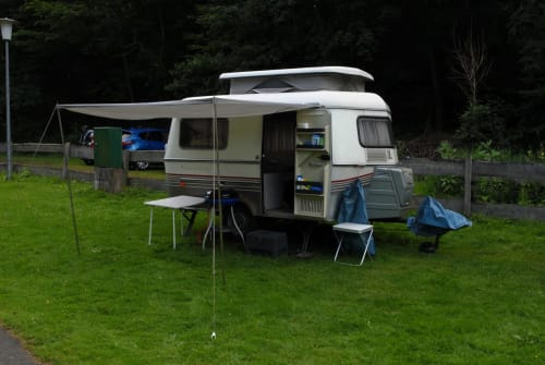 Caravan Hymer Eriba Touring Wohni in Dortmund huren van particulier