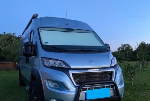 Buscamper Peugeot Tourne Clara Korbinian in Gröbenzell huren van particulier