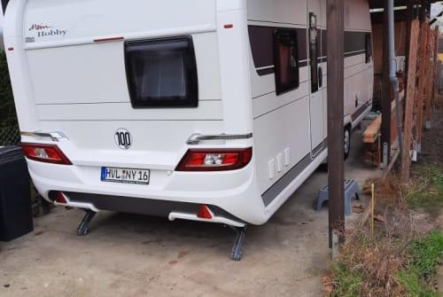 Caravan Hobby Hobby 650 KMFE in Brieselang huren van particulier