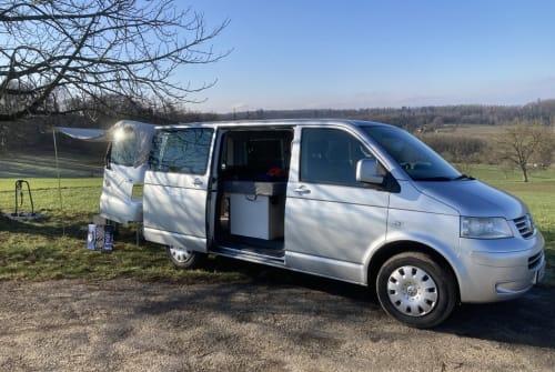 Kampeerbus VW T5 Sisu in Lörrach huren van particulier