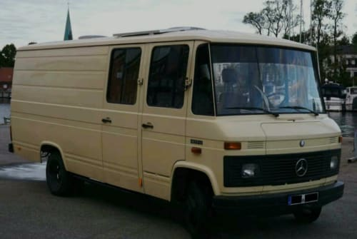 Buscamper Mercedes Benz Kalle in Lübeck huren van particulier