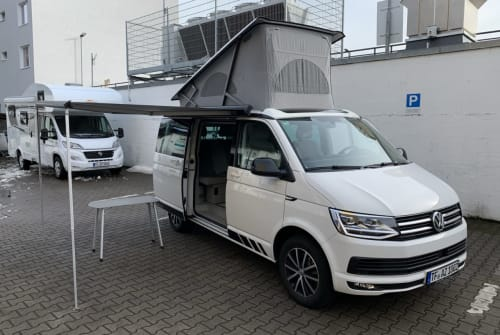 Kampeerbus Volkswagen California in Berlin huren van particulier