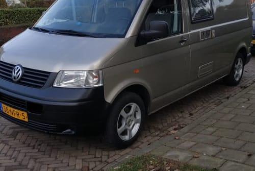 Buscamper Volkswagen  Zeuntje in Aalten huren van particulier