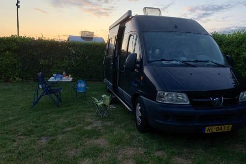 Buscamper Peugeot  Camper in Rotterdam huren van particulier
