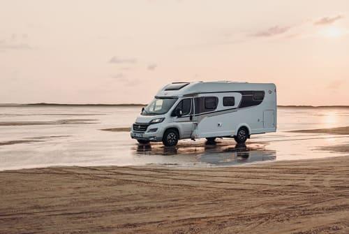 Halfintegraal Carado Luxe camper 3 in Nederweert huren van particulier