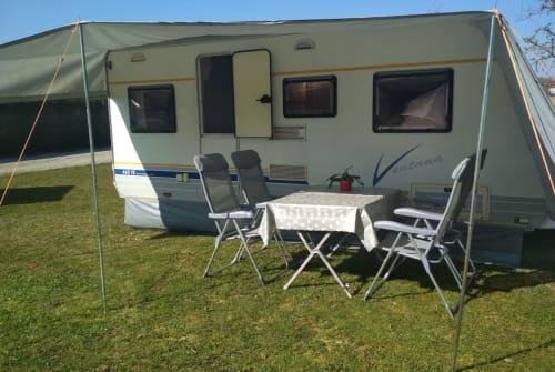 Caravan Bürstner Ventana - Packen, anhängen und los gehts! in Egenhofen huren van particulier