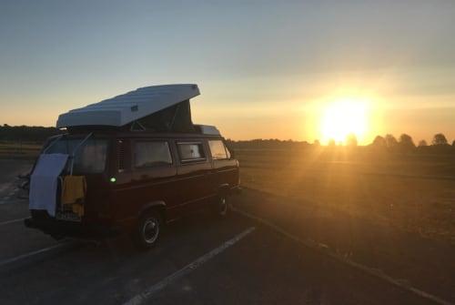 Kampeerbus Volkswagen der rote Blitz in Oldersbek huren van particulier