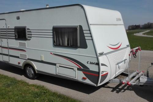 Caravan Carado  Urlaubslust in Schonstett huren van particulier