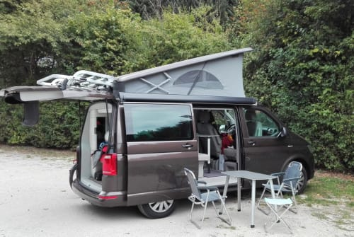 Kampeerbus Volkswagen Brownie in Kassel huren van particulier