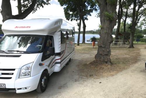 Halfintegraal Ford Rolfs Camper in Berlin huren van particulier