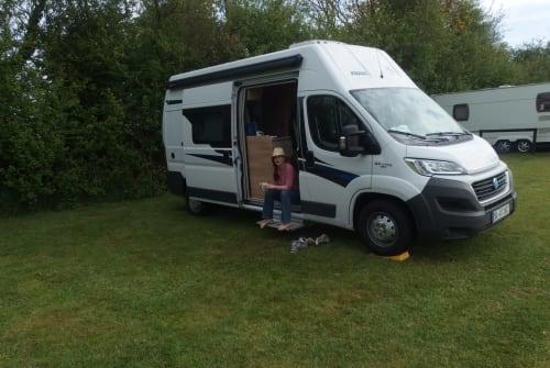 Buscamper Fiat Knaus Boxstar Knaus Solution in Norderstedt huren van particulier