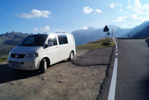 Buscamper Volkswagen Willibert in Wien huren van particulier