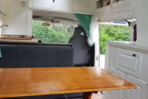 Buscamper Volkswagen Olaf in Deventer huren van particulier