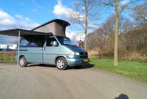 Kampeerbus Volkswagen T4 Coach in Cuijk huren van particulier