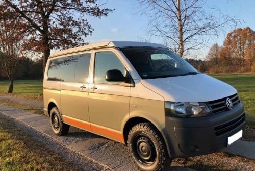 Kampeerbus VW T5 Offroad Sepp in München huren van particulier