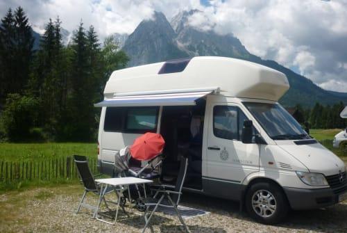 Buscamper Mercedes Sprinter James in Schwalbach huren van particulier
