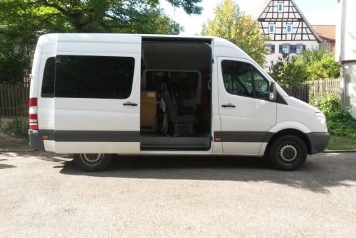 Buscamper Mercedes Sprinter Bud Spencer in Wiernsheim huren van particulier