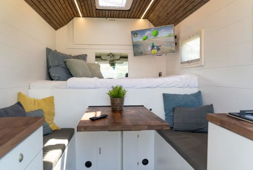 Halfintegraal Renault  Casa on Wheels in Sint-Oedenrode huren van particulier
