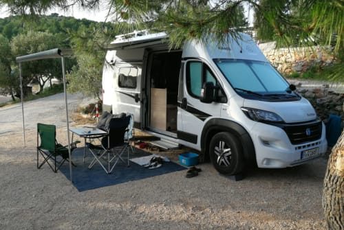 Buscamper Knaus New Hollister in Lappersdorf huren van particulier