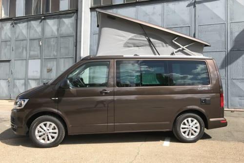 Kampeerbus VW Bobby Brown in Hamburg huren van particulier