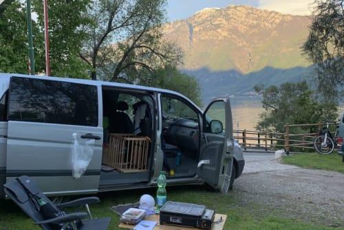 Kampeerbus Mercedes Vito Mrs. Buli in Berlin huren van particulier