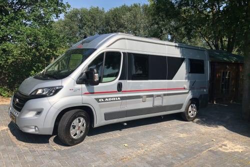 Buscamper Fiat Ducato AdriaTwin in Dalen huren van particulier