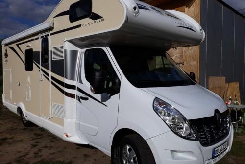 Alkoof Renault - Ahorn - Camp Canada - Lotti in Fredersdorf-Vogelsdorf huren van particulier