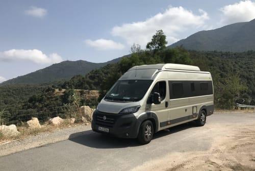 Buscamper HYMER Minister in Putzbrunn huren van particulier