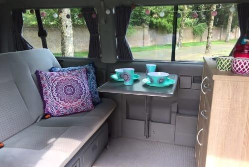 Kampeerbus VW Mandala  in Mierlo huren van particulier