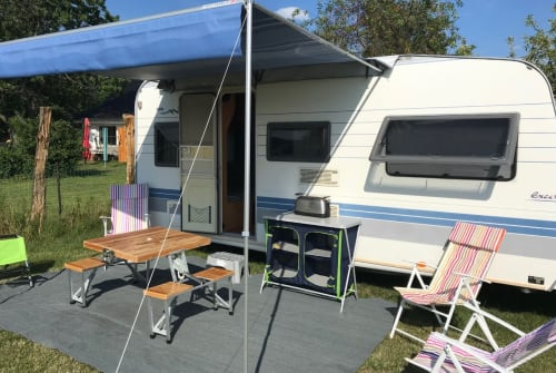 Caravan Hobby Sun & Fun 1 in Plau am See huren van particulier
