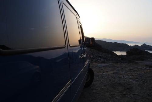 Kampeerbus Mercedes Benz Blue Lion in Sickte huren van particulier