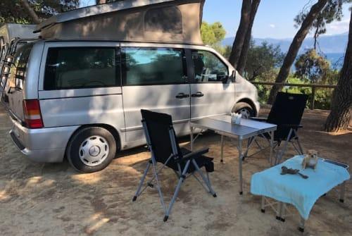 Kampeerbus Mercedes Benz Marco in Anixi huren van particulier