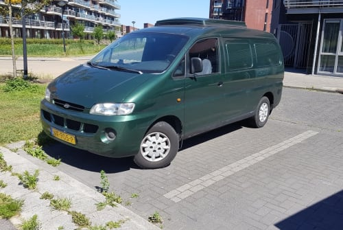 Kampeerbus hyuandia h200 camperbus in Heerhugowaard huren van particulier