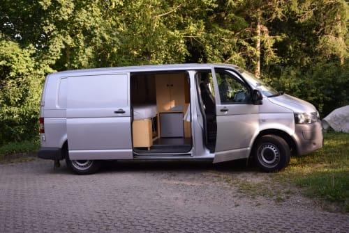 Kampeerbus VW Weltenbummler in Halle huren van particulier