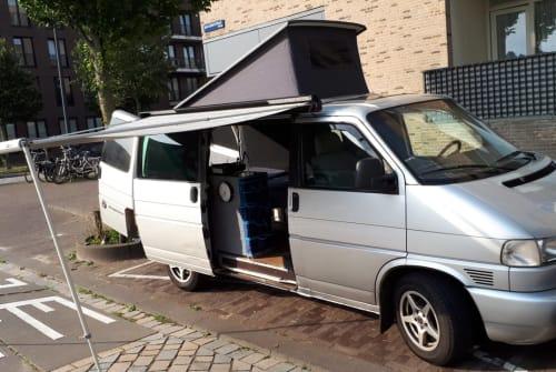 Kampeerbus Volkswagen Transporter T4 in Amsterdam huren van particulier
