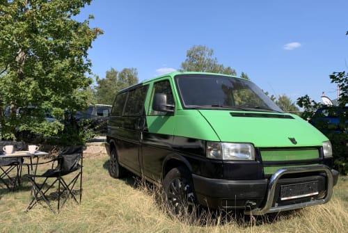 Kampeerbus VW Hippe  in Berlin huren van particulier