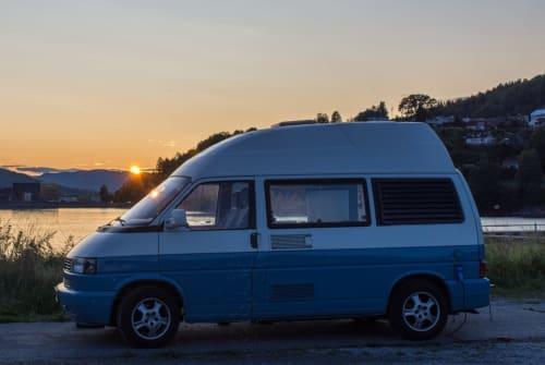 Kampeerbus Volkswagen Bruno in Hamburg huren van particulier