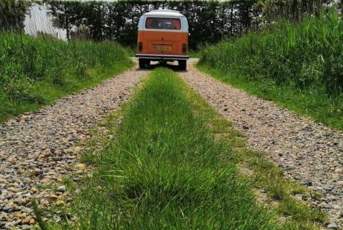 Kampeerbus Volkswagen Kate campervan in Kloetinge huren van particulier