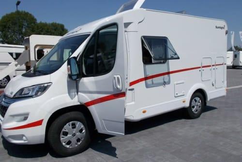 Buscamper Sunlight Reisewagen  in Gudensberg huren van particulier