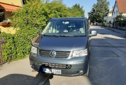 Kampeerbus VW  Allrounder  in München huren van particulier