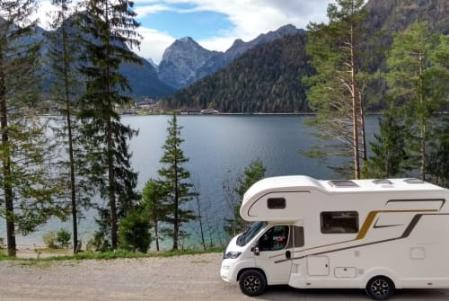 Alkoof Eura Mobil Familienmobil in Gröbenzell huren van particulier