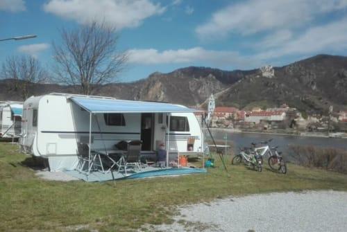 Caravan Adria XL Luxuscamper in Sontra huren van particulier
