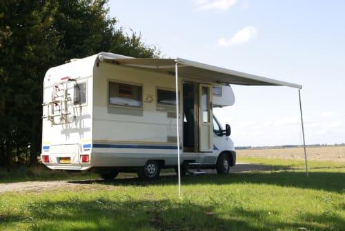 Alkoof Dethleff Alkoof camper in Meeden huren van particulier