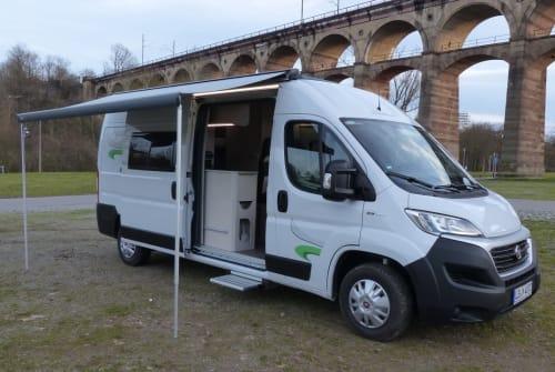 Buscamper Euramobil M-Reisemobil in Bietigheim-Bissingen huren van particulier
