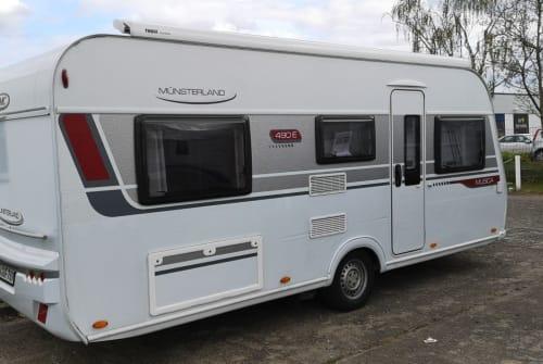 Caravan LMC LMC  490 E in Hohen Neuendorf huren van particulier