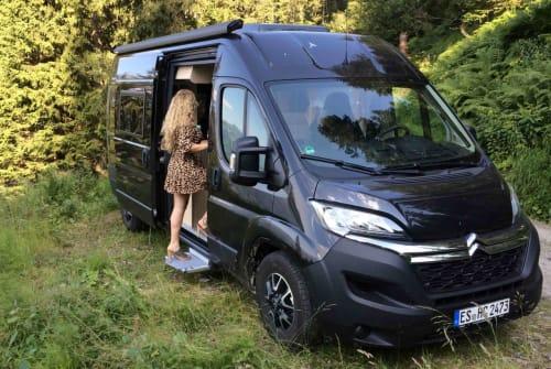 Buscamper Clever Black Pearl in Altenriet huren van particulier