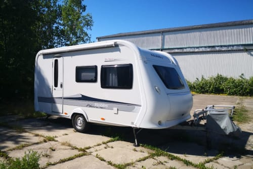 Caravan Hobby Familiencamper in Rostock huren van particulier